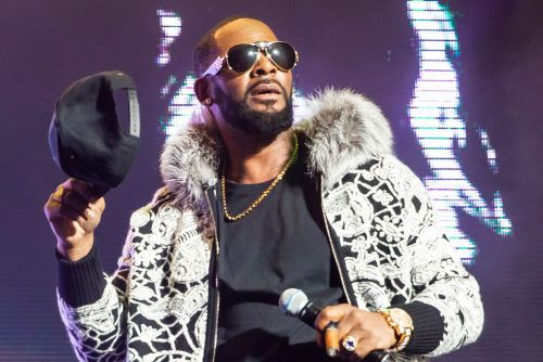 R. Kelly wants permission to fly to Dubai