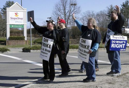 Stop & Shop traffic from loyal customers plummets 75 percent during strike