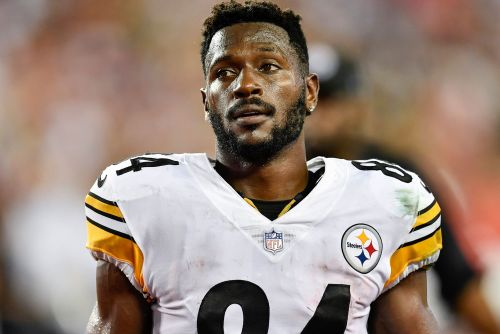 Antonio Brown shows off 'circumcised' feet during 'Hard Knocks'