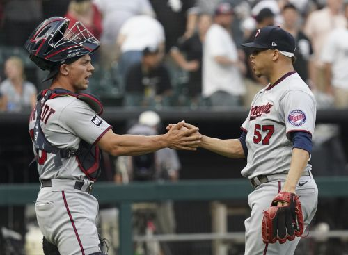 Twins Top White Sox 3-2 In 8th Inning