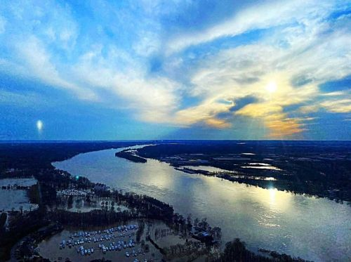 Ohio River expected to crest this afternoon