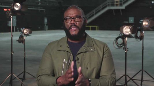 Tyler Perry's Thanksgiving giveaway draws thousands, quickly runs out of supplies