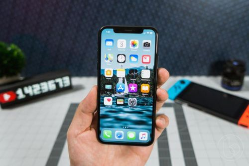 Apple is already prepping OLED displays for the 2020 iPhone, says report