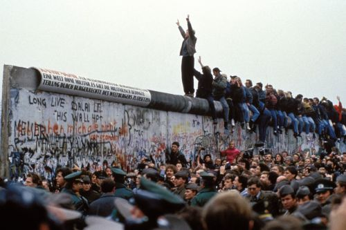 Berlin Wall 30th anniversary: A timeline of division