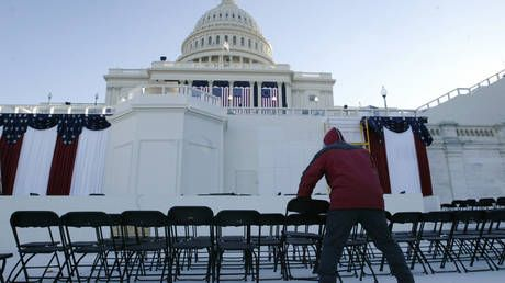 Russia refuses to play musical chairs with America's debt, continues to dump US Treasuries