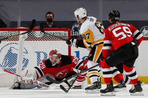 Devils can't keep up with Sidney Crosby, Penguins