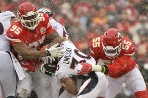 Chiefs have Jones, Titans have Humphries for AFC title game