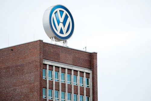 Volkswagen to invest $800M to build electric vehicles in US