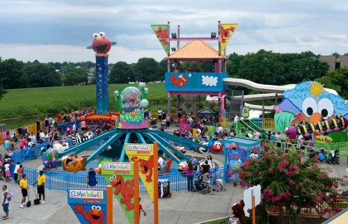 Man punches Sesame Place worker over mask requirement at Pennsylvania theme park