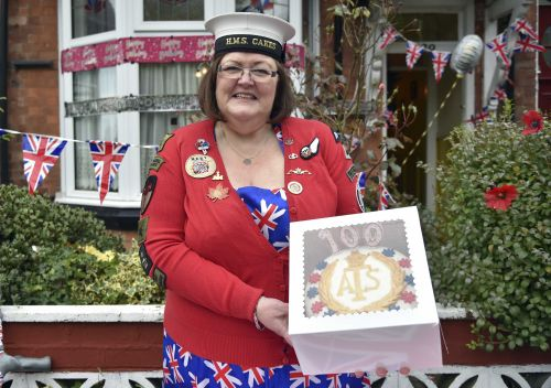 Cake Lady helps wounded soldiers heal, one treat at a time