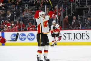 Flames start road trip with 4-2 win over Red Wings