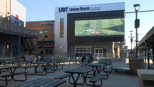 Restrictions reduce fans watching the Huskers at Lincoln sports bars