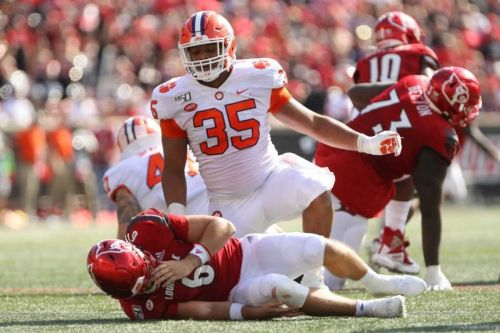 After bout with COVID-19, Clemson DE Foster retiring from football