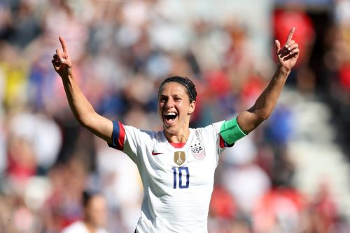 USWNT star Carli Lloyd says NFL teams contacted her after she crushed a 55-yard field goal that went viral