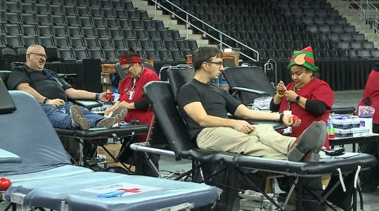 American Red Cross hosts holiday blood drive at Baxter Arena