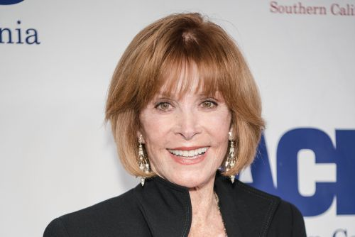 Stefanie Powers dishes on Hollywood legends and her new off-Broadway show