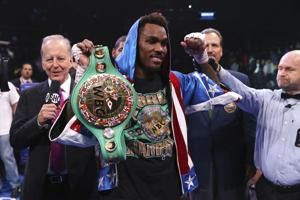 Charlo stops Hogan in 7th to retain WBC middleweight title