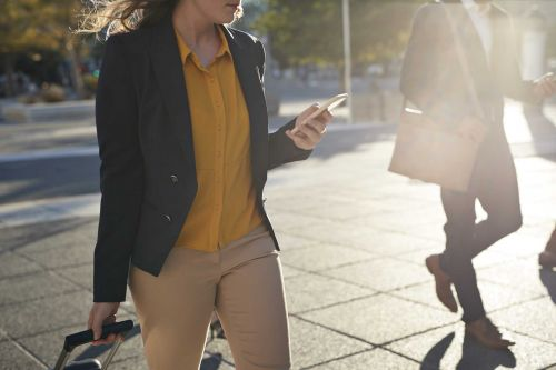 New York might make it illegal to text while walking