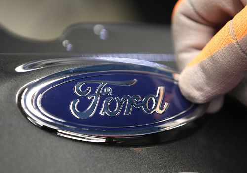 Ford recalls big pickups; tailgates can open unexpectedly