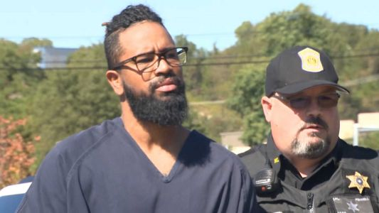 Former Pirates pitcher charged with sexual assault seeking to get out of jail