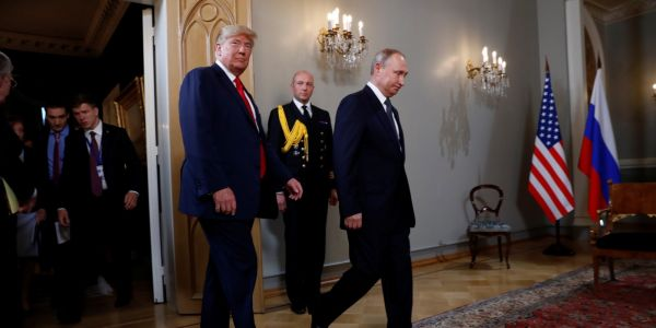 Putin made Trump wait an hour before their summit in a move that's both a power play and a backhanded compliment
