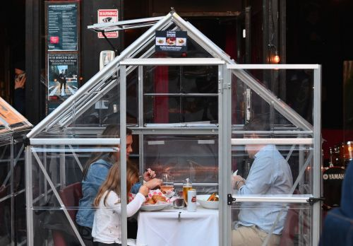 Should you dine in a restaurant tent this winter? It depends on 5 safety factors