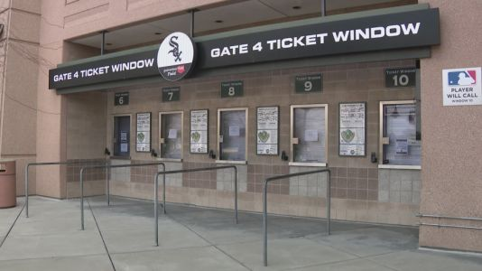 White Sox welcome fans back for Opening Day after more than 1 year