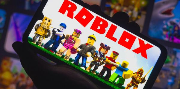 How to redeem a Roblox gift card in 2 different ways, so you can buy in-game accessories and upgrades