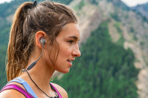 These are the best workout headphones for iPhone and Apple Watch