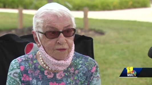 102-year-old tennis lover funds tennis facility at her college alma mater