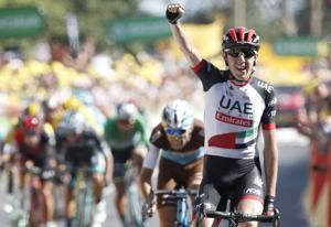 Daniel Martin wins Stage 6 of Tour, Van Avermaet keeps lead