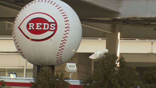 Hundreds apply for support positions with Cincinnati Reds