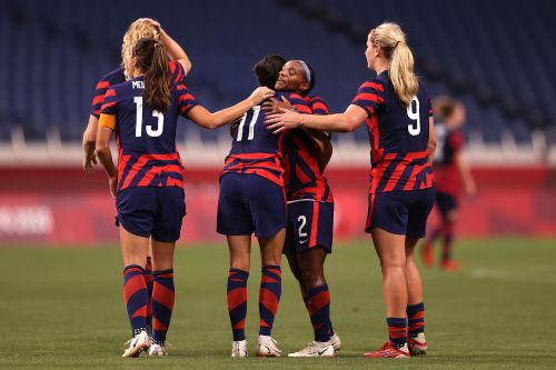 USWNT bounces back with rout of New Zealand at Olympics