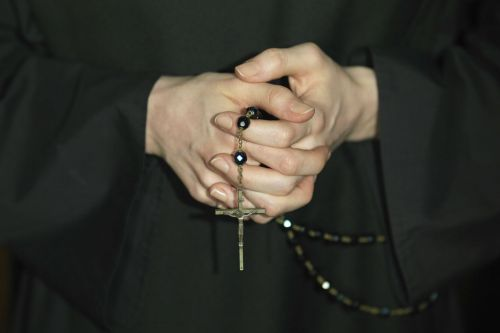 Catholic nuns urged to speak out about sex abuse