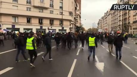 Water cannon deployed & cars flipped as tensions run high during Yellow Vests protests