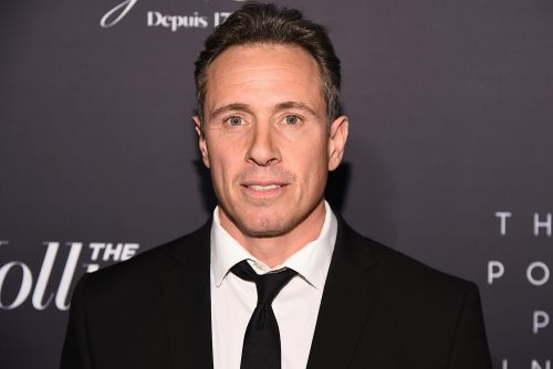 Chris Cuomo socializes mask-free at private members' club