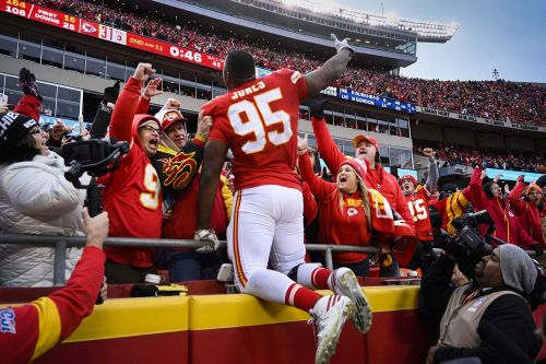 Report: Chiefs will franchise tag Chris Jones