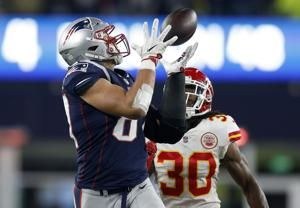 Pats' Gronkowski tops AP's list of top NFL tight ends