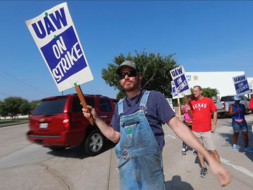 The Trump administration and GM are taking swings at each other as the automaker wades through its largest labor-union walkout in nearly 40 years