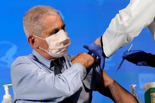 Dr. Fauci says people with COVID-19 vaccine could soon socialize together