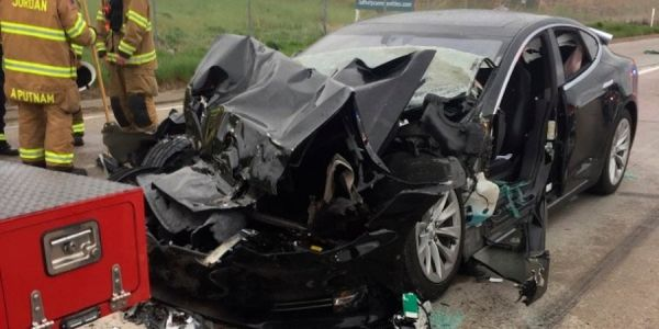 A Tesla Crash In Utah Is Under Investigation By U.S. Safety Regulators