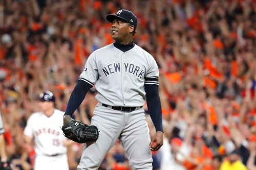 Yankees' Aroldis Chapman's blown game lights up social media