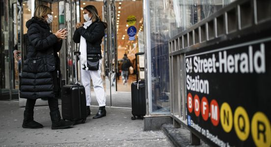 New York City urges all residents to wear face coverings in public