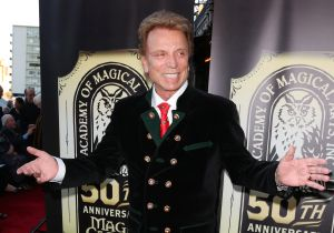 Renowned Magician Siegfried Fischbacher Dies At Age 81