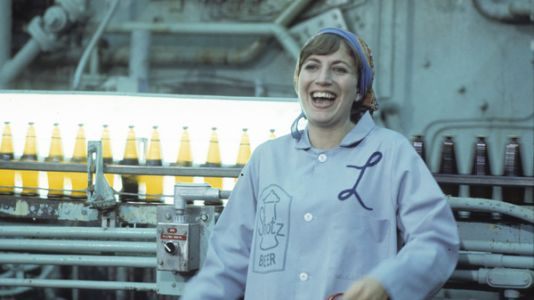 Penny Marshall, Filmmaker And 'Laverne & Shirley' Star, Dies At 75