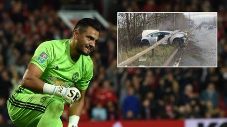'How did he manage that!?' Man United star Sergio Romero miraculously unhurt after car smash on way to training