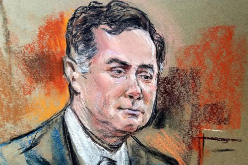 Manafort ditching prison-issued socks for court appearances