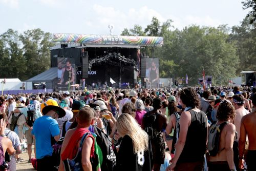 Bonnaroo attendee dies after becoming unresponsive at festival
