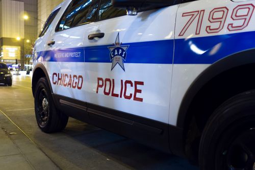 Woman stabs Chicago store worker 27 times after asking her to wear mask