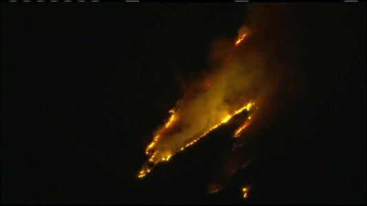 Southern California wildfire prompts evacuations